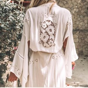 Spell & The Gypsy Collective Intimates & Sleepwear - NWT Spell & gypsy Collective Isla Bonita kimono